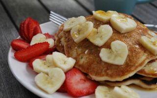 Вегетаріанські бананові мінеральні оладки
