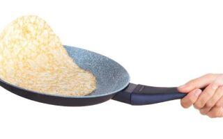 Чому млинці прилипають до сковорідки