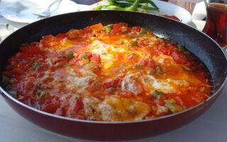 Рецепт менемена — турецького овочевого омлета